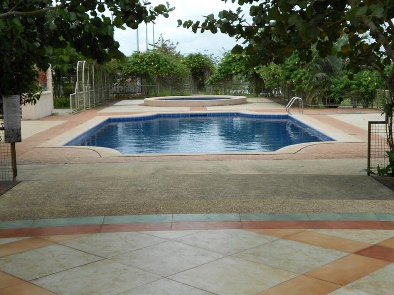 Sotogrande_Tagaytay_Swimming_Pool.jpg