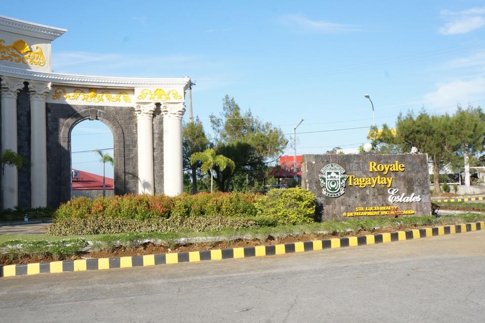 Tagaytay_Royale_Estate_2.jpg
