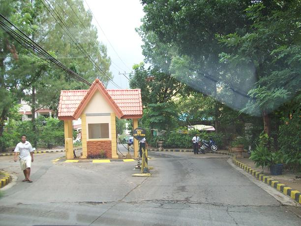 Valley_View__Antipolo_Entrance_Gate.jpg