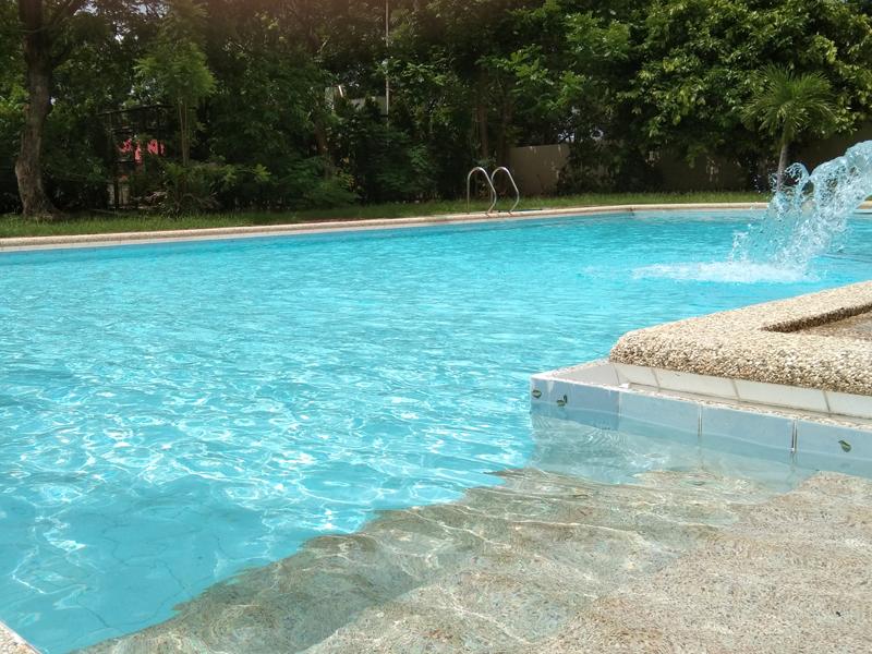 swimming_pool_1.jpg