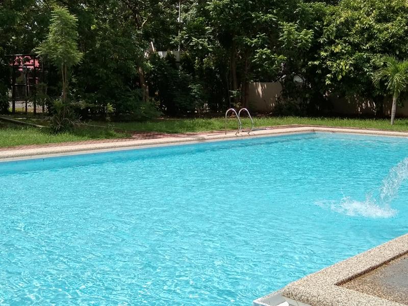 swimming_pool_2.jpg